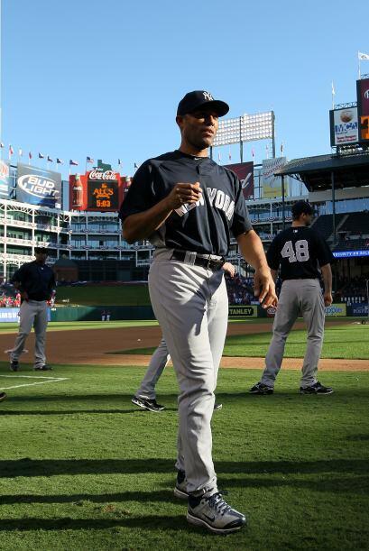El 28 de junio de 2009, Rivera alcanzó los 500 juegos salvados contra lo...