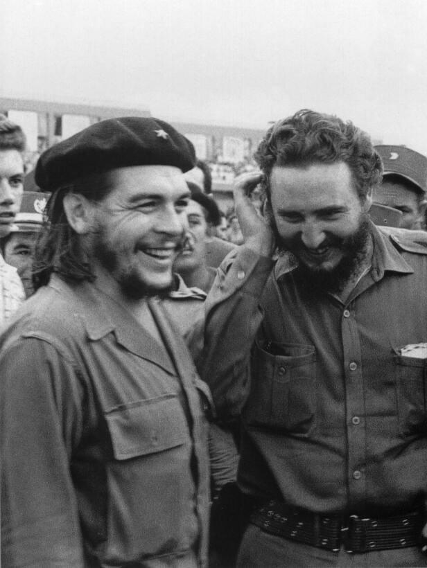 Una imagen de Castro y 'El Che' tomada en los 60 en La Habana. Ambos se...