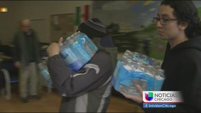 Chicago se moviliza para llevar agua a Flint