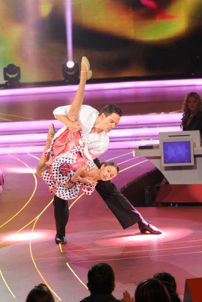 La pareja bailo una rumba flamenca y mostró que ensayaron bastante para...