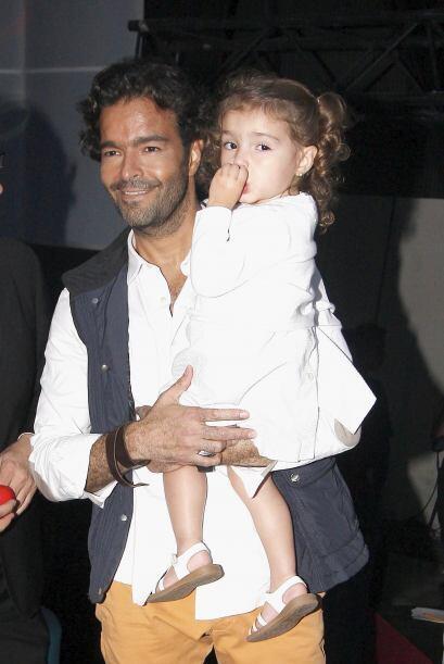 El actor está feliz con su hija.