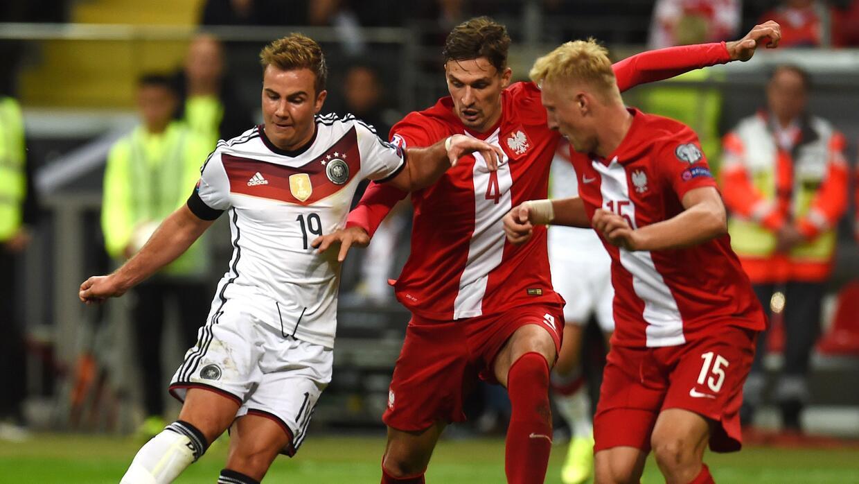 Mario Götze marcó un doblete frente a Polonia en eliminatorias de la Euro.