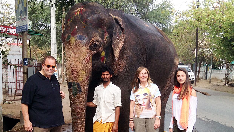 Raúl y Mia en la India.