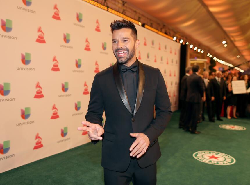 El boricua, Ricky Martin, acaparó los reflectores con un blazer negro co...