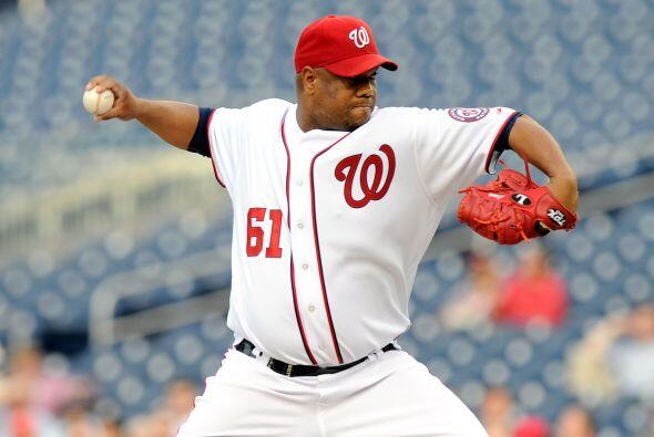 El lanzador cubano Liván Hernández, de los Nacionales de Washington, est...