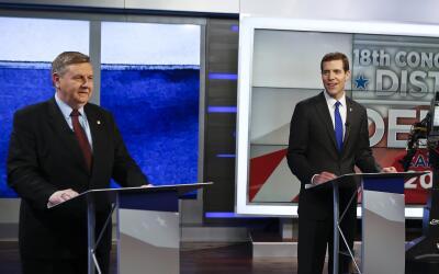 El republicano Rick Saccone (a la izquierda) y el demócrata Conor Lamb,...