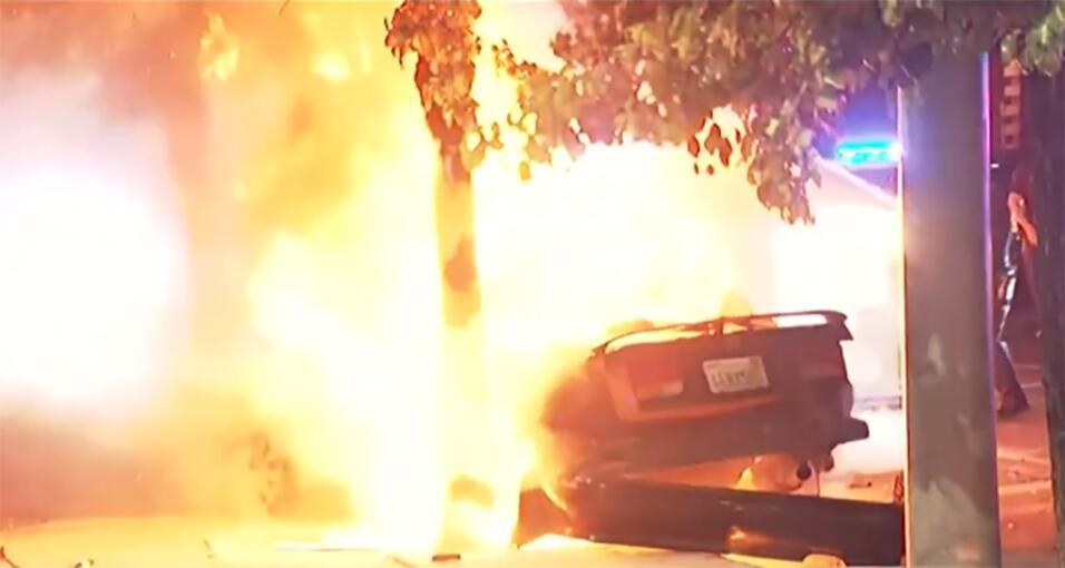 Mayo: Accidente mortal en Los Ángeles