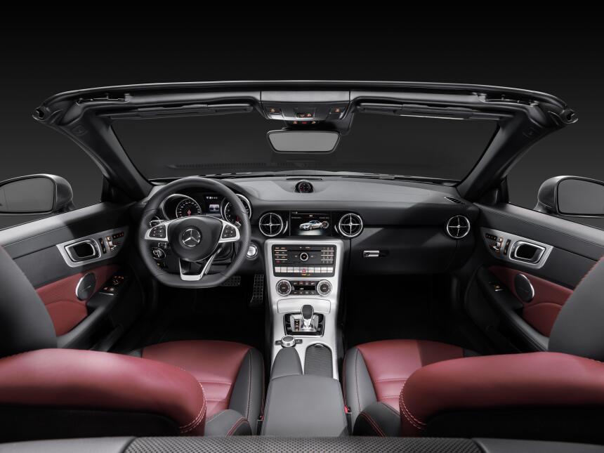 Mercedes-Benz SLC300 2017