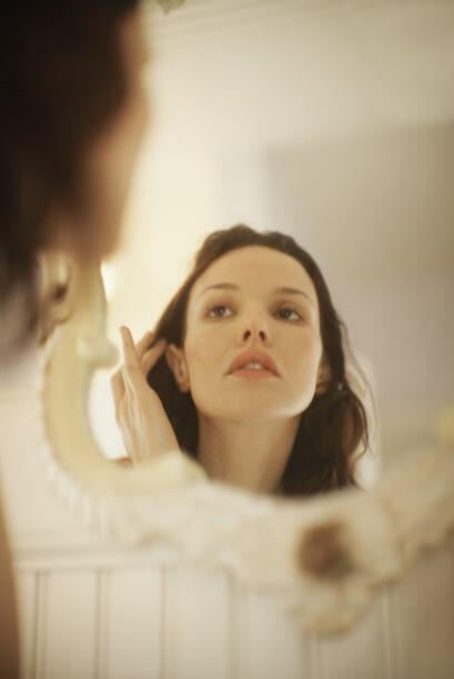 Reconócelo no tendrás que pasar horas frente al espejo para verte divina...