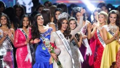 La venezolanaGabriela Isler es coronada Miss Universo 2013.