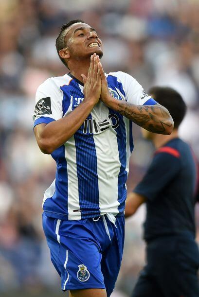 El lateral brasileño Danilo ya fue reconocido como el primer fichaje con...