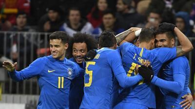 En fotos: Brasil supo cuándo acelerar y goleó a Rusia en el Luzhniki