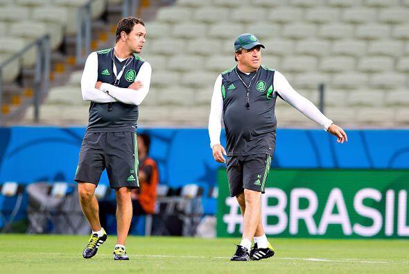 El ahora auxiliar técnico de Miguel Herrera, Santiago Baños se retiró en...