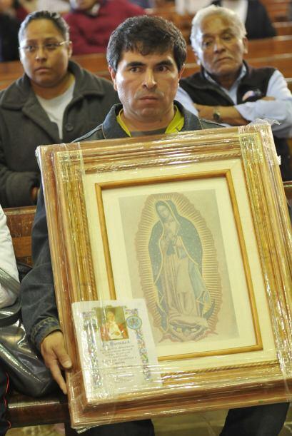 La Virgen manifiesta con su figura la cultura de los pueblos mexicanos.