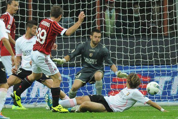 El polémico 'Talentino' repartió gambetas con el Milan ante el Palermo.