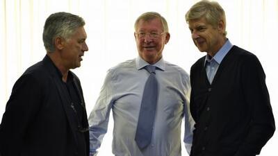 El ex entrenador del Chicharito en Manchester United platicó con Carlett...