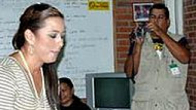 La conductora Neida Sandoval comparte su tiempo en la Casa Renacer de Ho...