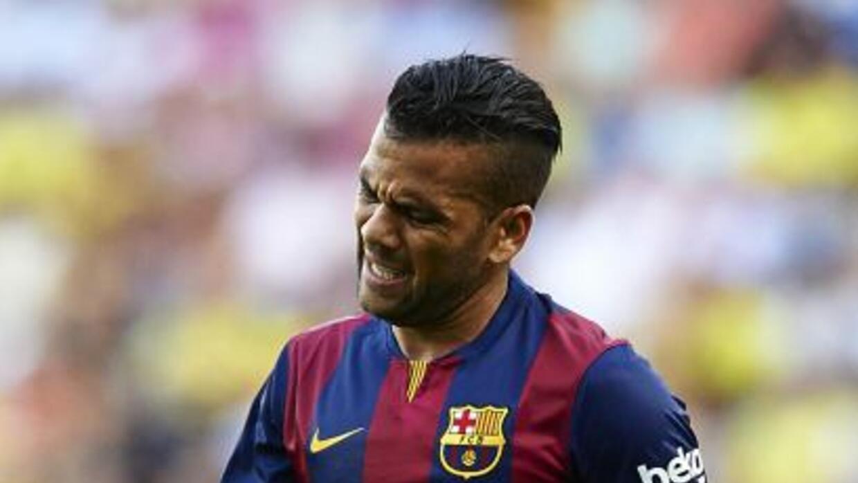 El debate sobre cuándo culmina el contrato de Alves con Barcelona llevó...
