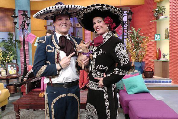Lleva muy en alto su bella patria, México, y no duda en involucrar a sus...