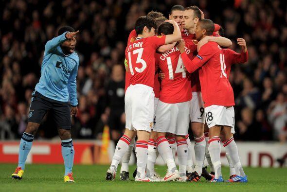 Manchester United festejaba y se aseguraba la clasificación.