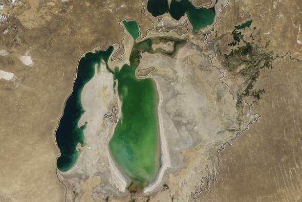La parte superior izquierda, donde todavía queda agua, es una reserva co...