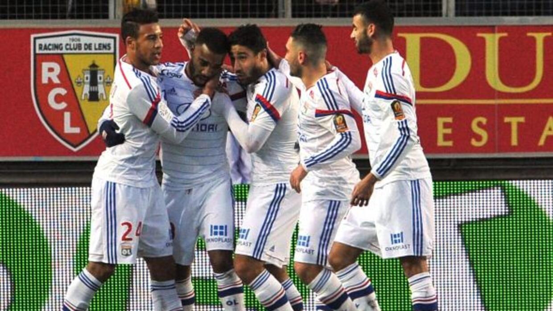 El joven delantero francés marcó el segundo gol del Lyon ante Lens.