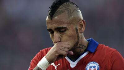Arturo Vidal estuvo envuelto en la polémica tras chocar su Ferrar...