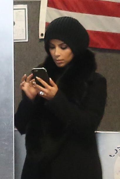 Kim sí que sabe como robar la atención de las cámaras.