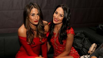 Las Bella, las gemelas guerreras que se roban el show en la lucha libre