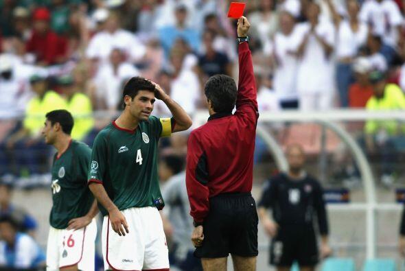 Eso generó que Márquez perdiera los estribos y le diera una patada a Cob...