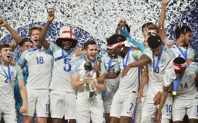 Inglaterra no ve realista acoger el Mundial 2018 y espera que Blatter pi...