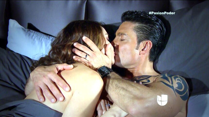 ¡Arturo le jugará sucio a Eladio para recuperar a Julia! D10369294AFD43A...