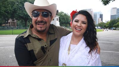 El Feo demostró lo bien que sabe bailar folklórico junto a Claudia Talamantez