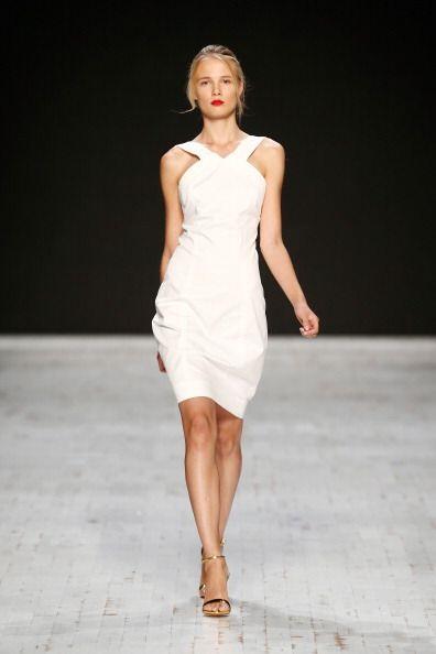 La pureza y elegancia del color blanco harán que una prenda en es...