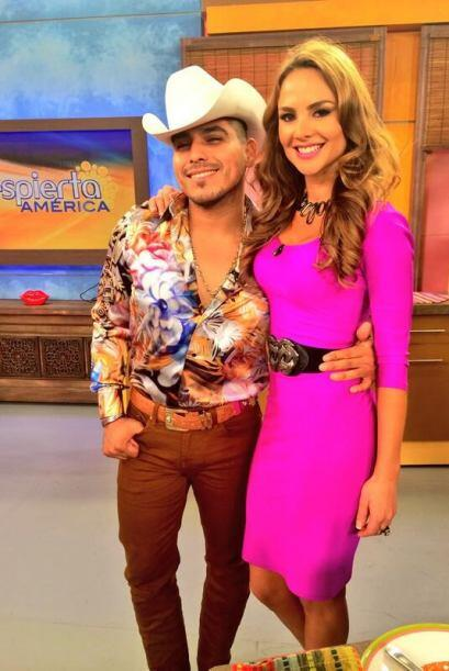 """""""Felices de tener a @EspinozaOficial en nuestra casita @DespiertaAmeric""""..."""