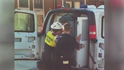 Freddie Gray se habría autolesionado tras su detención en Baltimore