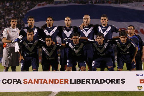 De los argentinos que entraron en la copa 2011 uno sólo sigue vivo, Véle...