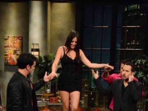 La sexy modelo y actriz Italiana, Claudia Romani visitó Noche de...