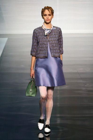 Este color es ideal para llevar un estilo súper 'trendy' al trabajo. ¡Me...