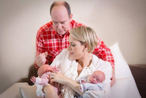 Así presentaron a sus hermosos gemelos nacidos el pasado 10 de diciembre.