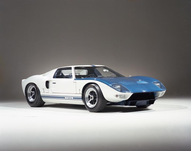 Ford v. Ferrari: La enemistad que creó una leyenda 1964-Ford-GT-prototyp...
