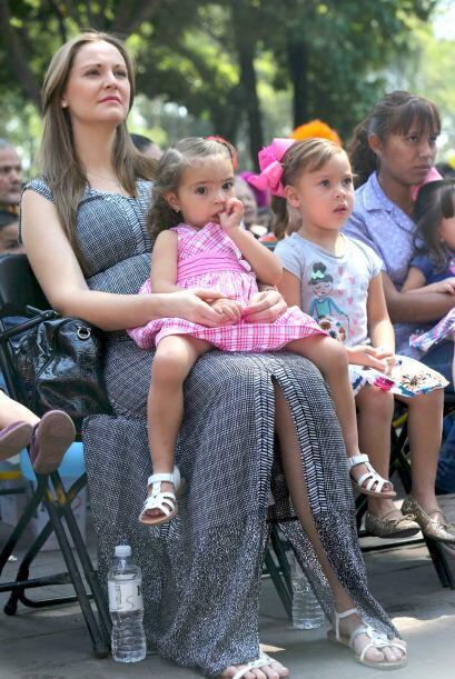 Carolina, su esposa, estuvo muy emocionada viendo la actuación del canta...