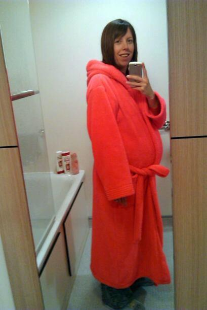 Cuando Rachel tenía 20 años comenzó con problemas en su matriz, tenía pl...