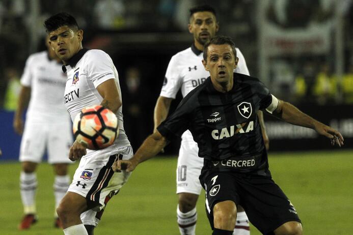El chileno Esteban Pavez (Colo Colo), que ya fue sondeado en el pasado m...