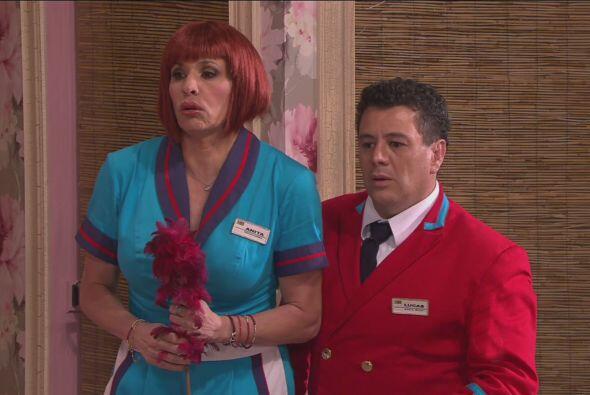 Más tarde cuando Anita llega a la habitación para hacer el aseo descubre...
