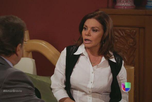 Oswaldo le dice a Amanda que Dionisio se fue de La Malquerida porque Cam...