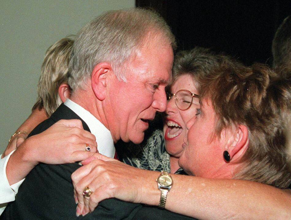 En 1995 el entonces senador republicano por el estado de Oregon se vio f...