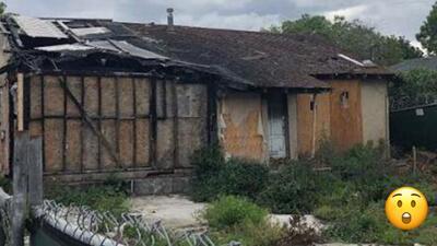 (FOTO) ¡Absurdo! Casa que se quemó hace dos años está a la venta por 800,000 dólares
