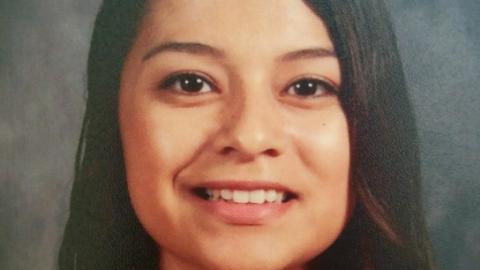 Lisset Carrasco, es una maestra del programa bilingüe en la primari...