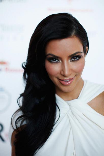 Kim Kardashian participó en el Amber Fashion Show como parte de las acti...